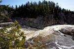 Nach dem Wasserfall folgt der Canyon