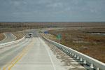 Brücke über den Sabine Lake - hier beginnt Louisiana