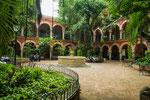 ....die Studenten nutzen diesen tollen Garten zum studieren....