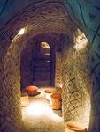 …..eine nachgebaute Grabkammer der Ureinwohner…..