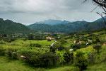 ....im Hintergrund liegt das kleine Vilcabamba.....
