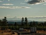 ....im Hintergrund der Mt. Hood (11.239 ft) 100km entfernt...