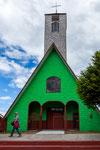 Eine kleine aber schöne Holzkirche in Vélez...