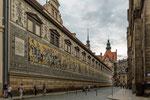 ...das Wandgemälde zeigt den sächsischen Fürstenzug...