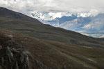 ....mit Schneebergen von über 6.000 Metern....