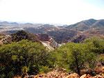 riesige Erdbewegungen auf der Suche nach Kupfer