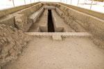 In der Mitte das Grab des Herrschers