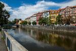 ...liegt Budweis an dem Fluss Moldau...
