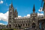 Diese Riesenkirche wurde Anfang des 20.ten Jahrhunderts gebaut....