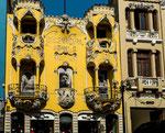 "....erinnert an ""Gaudi"" in Barcelona....."