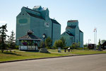 Getreide Silos (Sexsmith ist eines der größten Getreideanbaugebiete der Welt