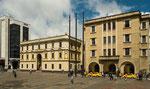 ....der Gouverneurspalast im italienischen Stil.....
