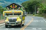 ....und bunte Busse erinnerten uns an Guatemala.