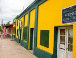 ...farbenfrohe Häuser...