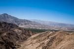 ...extrem karge Berge - mit Ausnahme die Flusstäler wo Wasser fließt...
