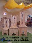 Geburtstagsstühle sind in jedem Design und in jeder Größe zu bekommen - hier sehen Sie einige Beispiele vom Kindergarten- bis zum Erwachsenenstuhl (die Preise richten sich nach Größe und Design)