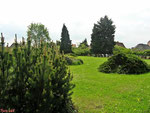 04435 Glesien, OT von Schkeuditz, Friedhof bei Kirche St. Johannes, Teilansicht 2010 byskb