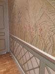 Réalisation d'un décor mural, type 19 me, trompe l'oeil soubassement et décor floral sur partie haute du mur-Particulier Paris 16-