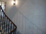 Création et réalisation d'une imitation stuc pierre -cage d'escalier Paris 4-