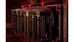Bronzine or sur cannelures et ornements de tabourets de bar -Bar Paris 8 -