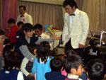 保育園の子供たちと交流
