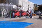 高津消防署による放水訓練。