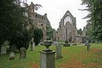 Dryburgh Abbey, die am Ufer des Tweed gelegene Ruine ist die eindruckvollste Klosterruine Schottlands.