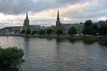 Inverness, die größte Stadt im Norden Schottlands, liegt am Fluss Ness.