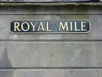 """Die """"Old Town"""" Edinburghs verläuft entlang der Royal Mile."""