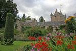 Cawdor Castle wird noch immer von den Thanes of Cawdor bewohnt.