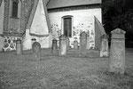 Die Grabsteine auf dem Altenkirchener Friedhof sind bis zu 200 Jahre alt.