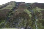 Durch den starken Regenfall am Vormittag hatten sich an den Hängen der Tweedsmuir Hills und den Hügeln den Ausläufern des Eskdalemuir Forrest kleine Wasserfälle gebildet.
