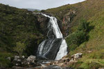 Der Wasserfall bot sich uns dieses Mal bei schönerem Wetter dar. Außer uns waren viele andere Fotografen damit beschäftigt den Wasserfall in einem guten Licht zu fotografieren.