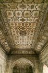 Ehemals mit Gold bemalte Decke im Khas Mahal