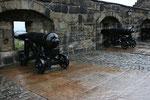 Außer Kanonen gab es auf Edinburgh Castle natürlich auch noch die Honours of Scotland (die schottischen Krone) zu besichtigen. Diese galten lange als verschollen, bevor Sir Walter Scott sie 1818 auf Edinburgh Castle wieder entdeckte.