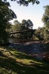 Unser Spaziergang führte uns am Fluss Irthing vorbei über diese schöne Brücke. Den Fluss überspannte einst eine Steinbrücke, welche die beiden Seiten des Hadrianswalls an den Ufern verband.