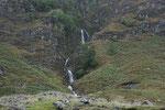 Wasserfall in Glen Coe (Highlands).