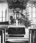 Altarraum und Kanzel der 1793 erbauten und am 15.12.1944 durch Luftminen zerstörten ev. Kirche