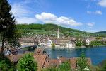 Blick auf Stein vom linken Rheinufer aus