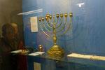 Schnatitach, Chanukka-Leuchter in der Synagoge