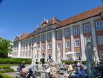 Neues Schloss, Barockfassade auf der Gartenseite