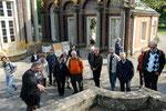 Bayreuth, Eremitage, Neues Schloss, Gruppe vor dem Sonnentempel