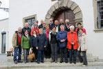 Reisegruppe auf der Rathaustreppe