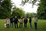 Hofgarten mit fröhlichen Teilnehmern