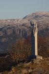 ... mit einer Statue von König Olav, die Oslo nicht haben wollte