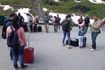 in Myrdal verlassen viele Touristen den Zug zur Flåmban
