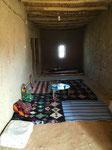 Besuch beim Berber, wo wir zu einem Glas Minzentee eingeladen werden.