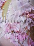 Kürkleid in rosé mit 3D Blüten/ viele Strasssteine und Perlen/ sehr gut erhalten / Gr. 152