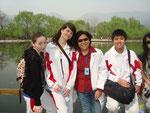 Akbota, ich, Hu Laoshi (die Oberlehrerin im dorm) und Dickson aus Indonesien