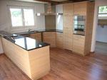 Küche in Eichendekor horizontal